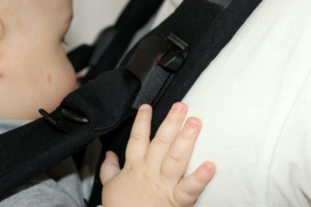 Baby Björn Trage im Tragehilfen Vergleich