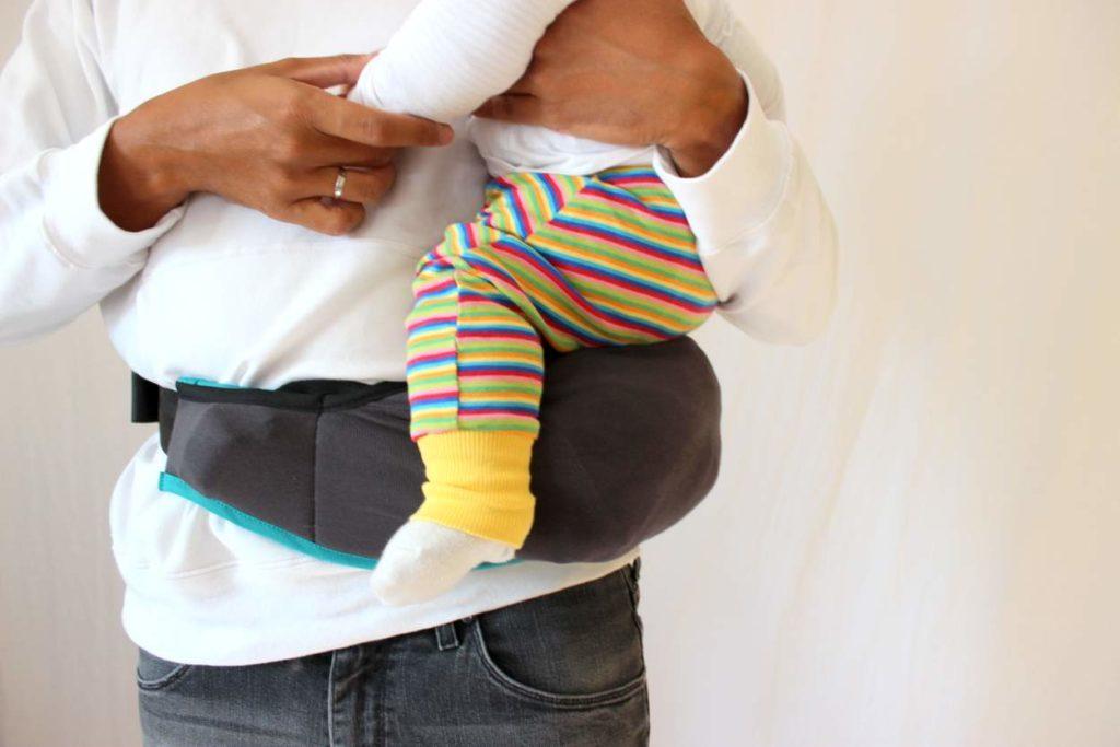 Ruckeli Babytrage als Hüftsitz für Babys nutzen